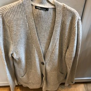 Cashmere sweater by yoon